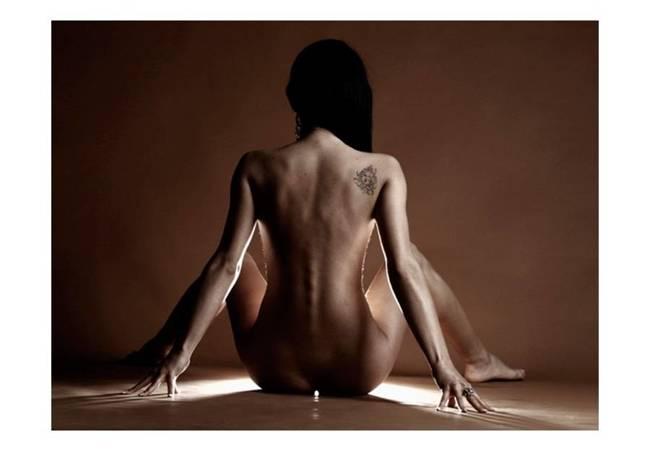 Fototapeta - Kobieta z tatuażem